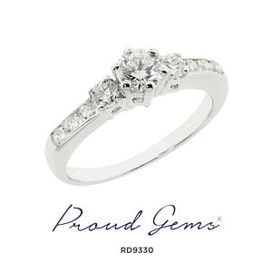 9330RE W 300x300 - แหวนหมั้นเพชร RE9330
